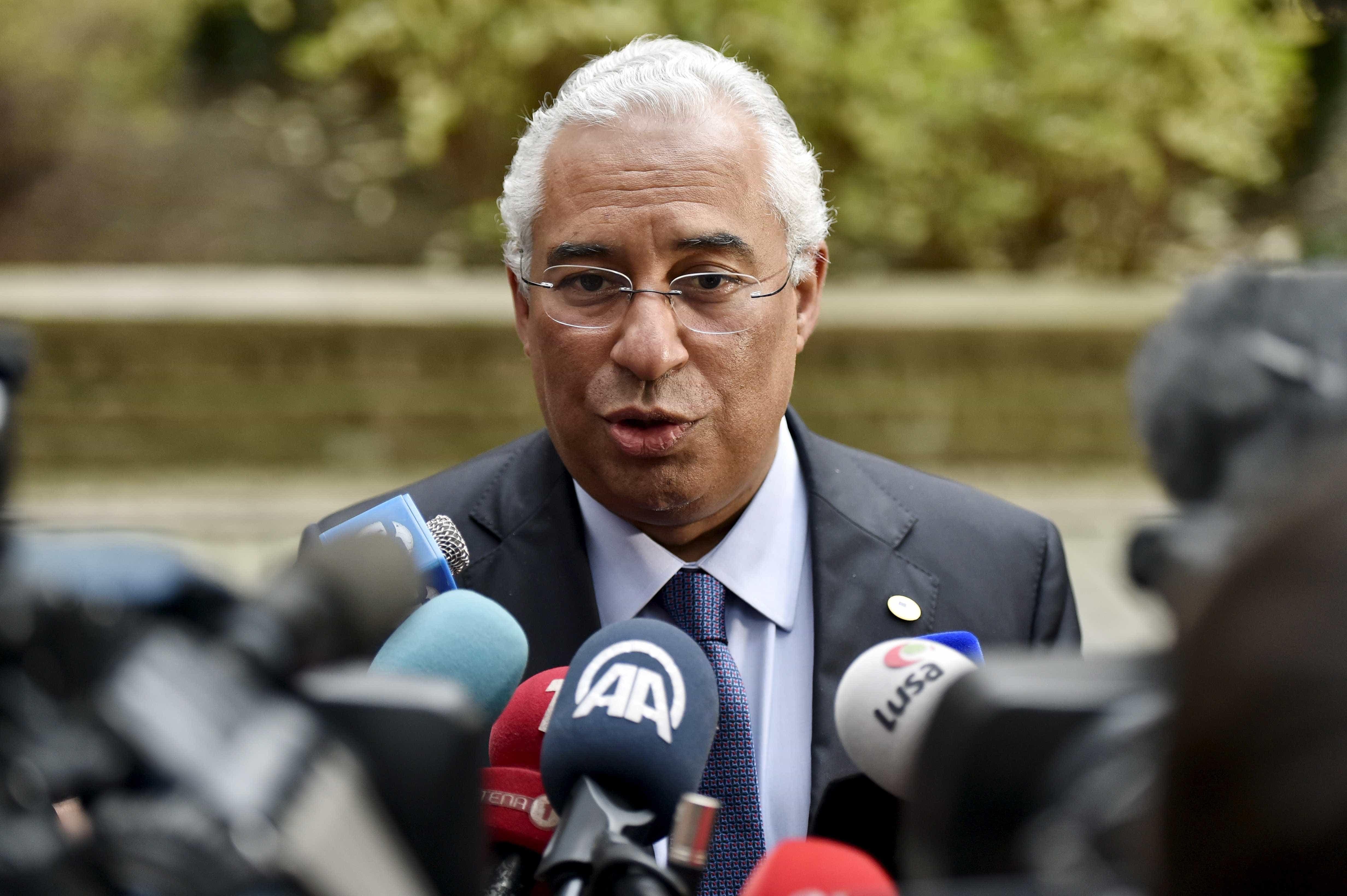 Costa nega ter fechado acordo sobre Lei de Bases da Saúde