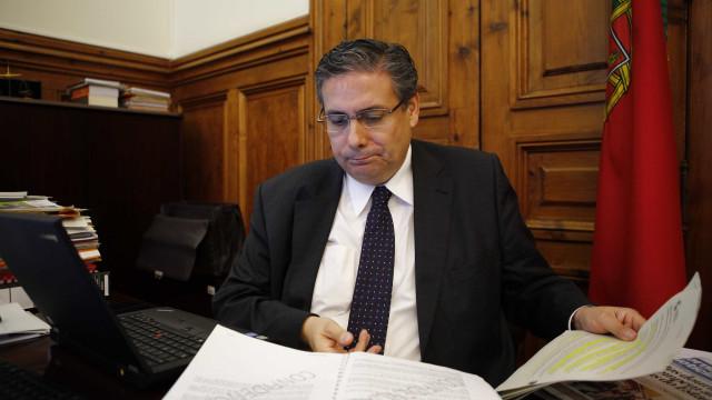 """""""Ministra é uma desgraça para a Saúde e uma tragédia para a Democracia"""""""