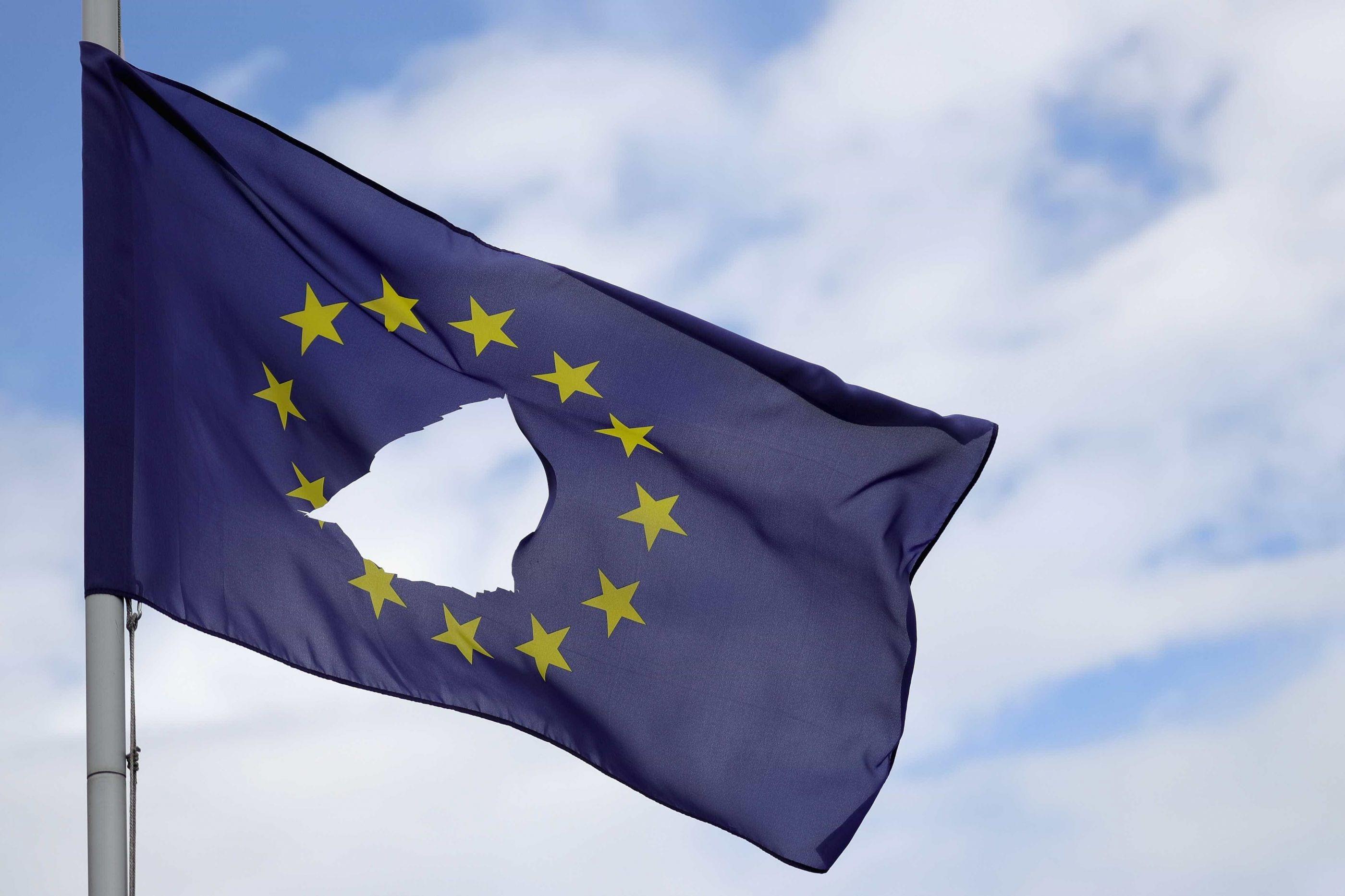 Responsável norte-irlandês alerta para impacto de Brexit sem acordo
