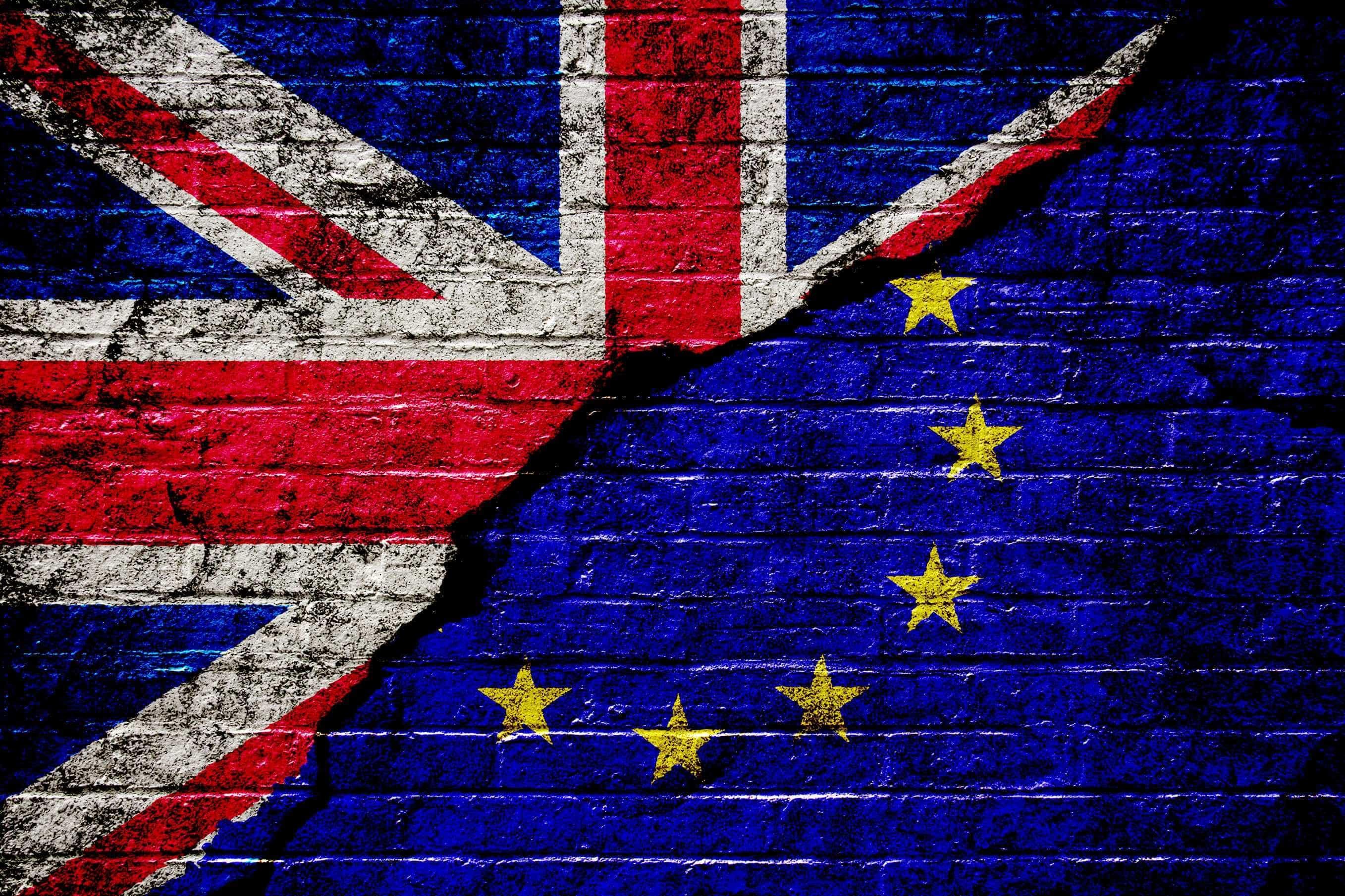 Brexit: Dublin pede às empresas para reverem planos de contingência