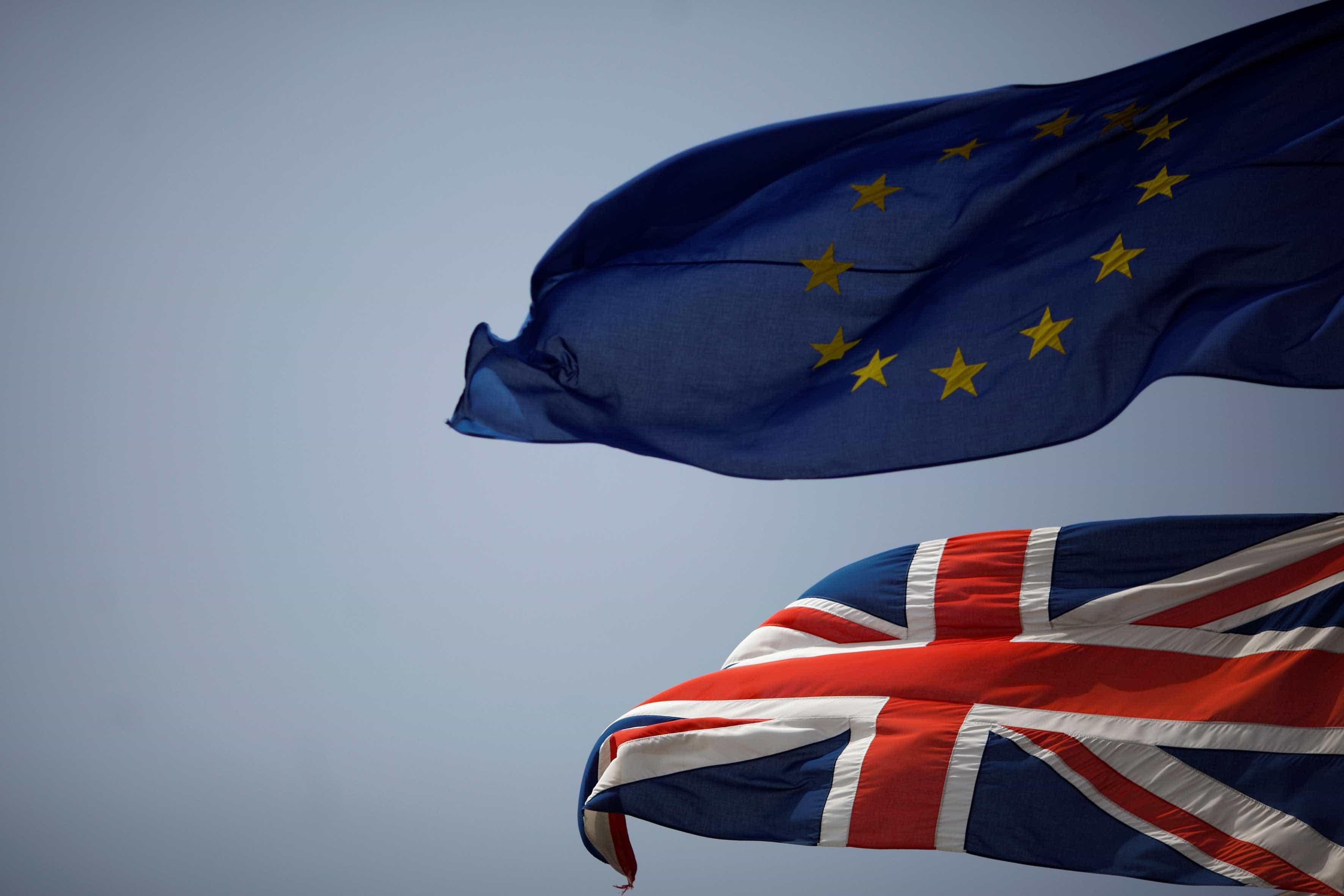 Brexit: Líderes dos 27 deliberam hoje sobre novo adiamento