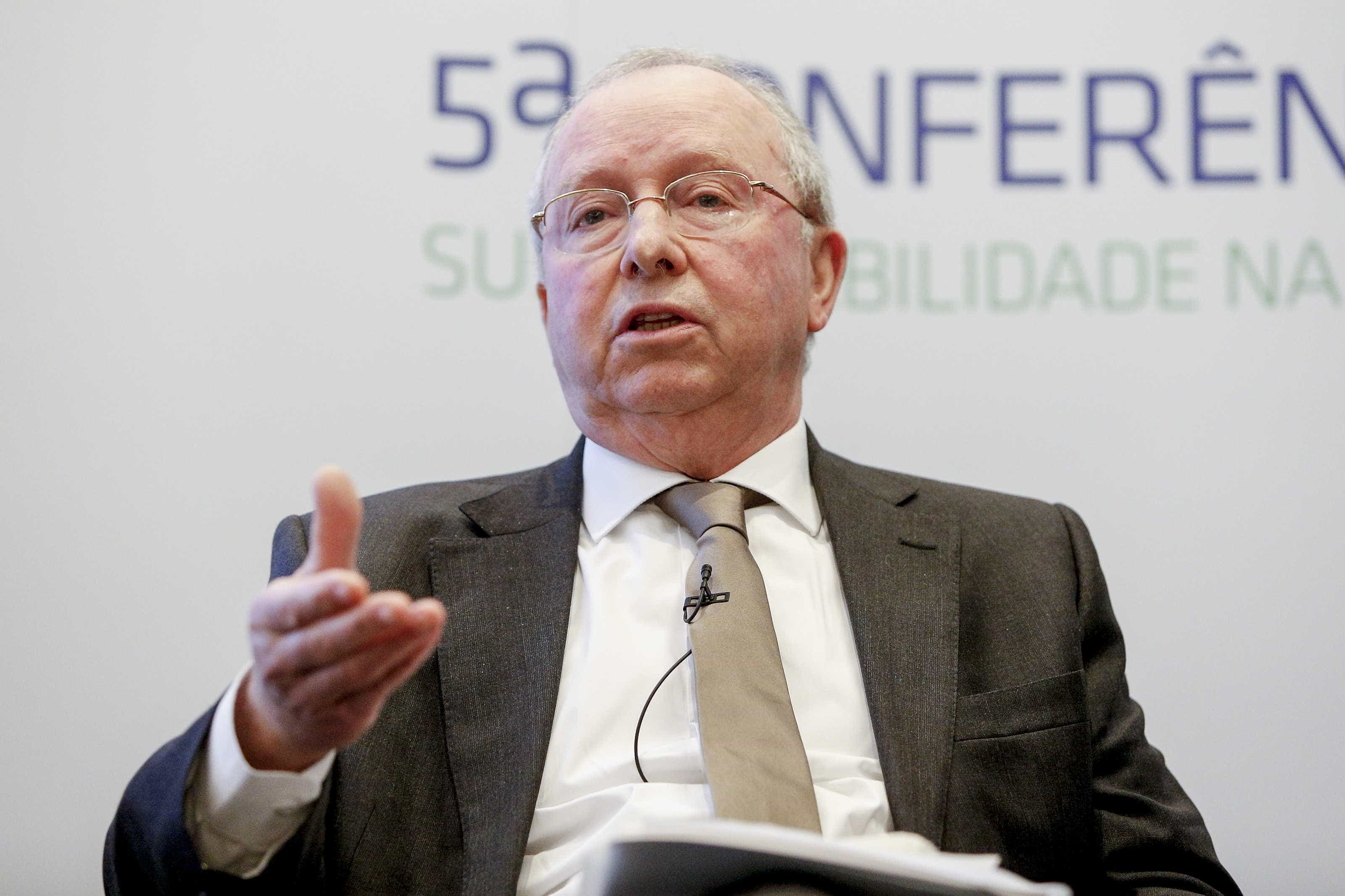 Correia de Campos: SNS corre o risco de se transformar numa caricatura