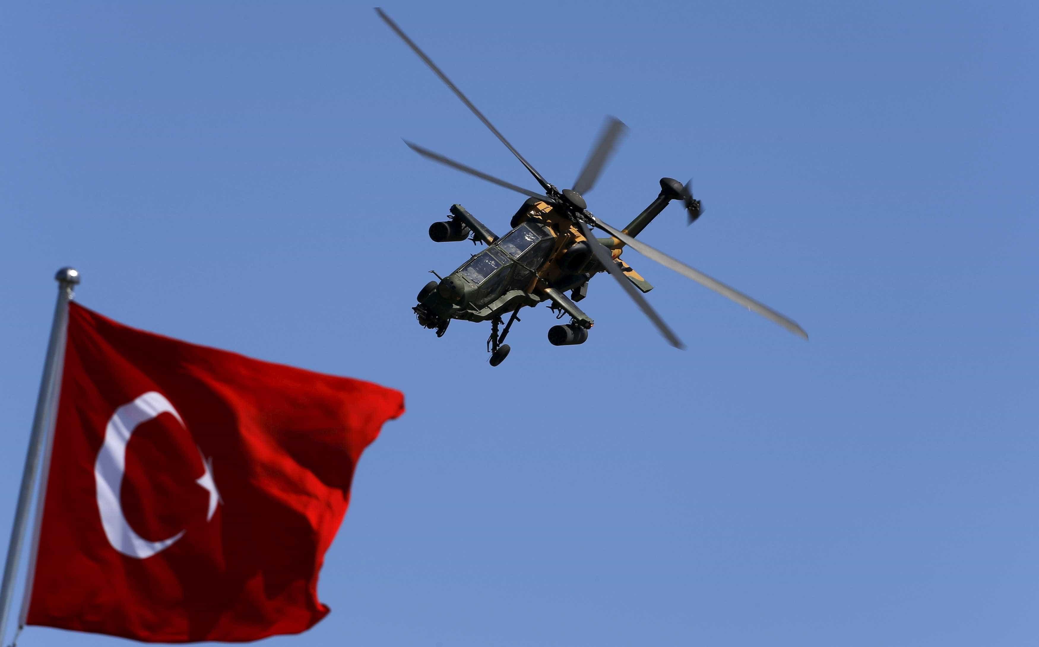 Turquia diz que não é bom para a França continuar na Síria