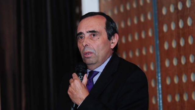 Vereador do PS defende eleições antecipadas com saída de Álvaro Amaro