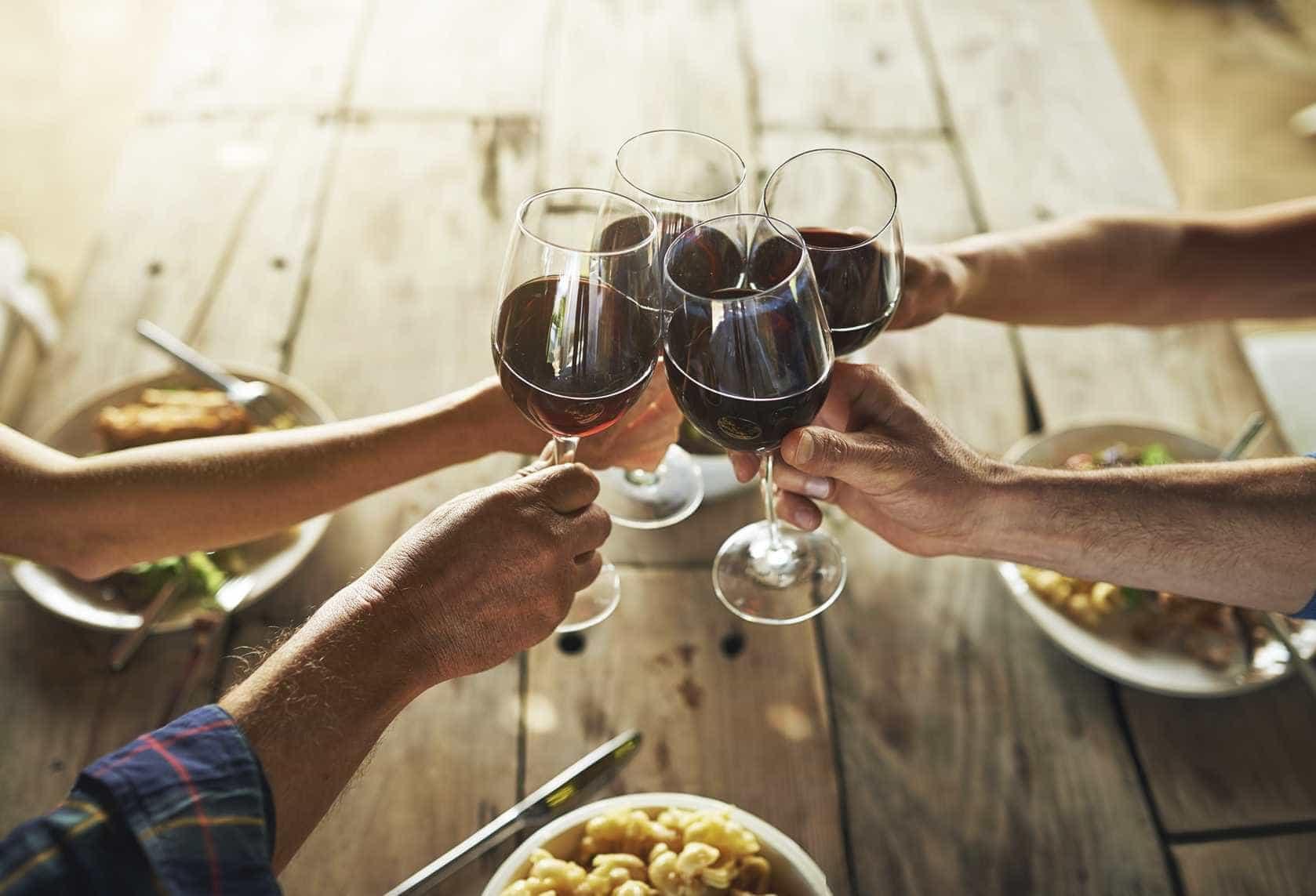 Jante em Marvilla, mas leve o seu próprio vinho (vale a pena)