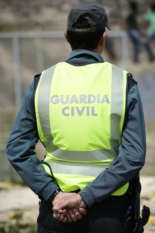 Guardia Civil surpreende quatro homens em violação a jovem de 19 anos