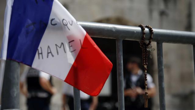 """França chama embaixador em Itália após """"ataques"""" sem """"precedente"""""""