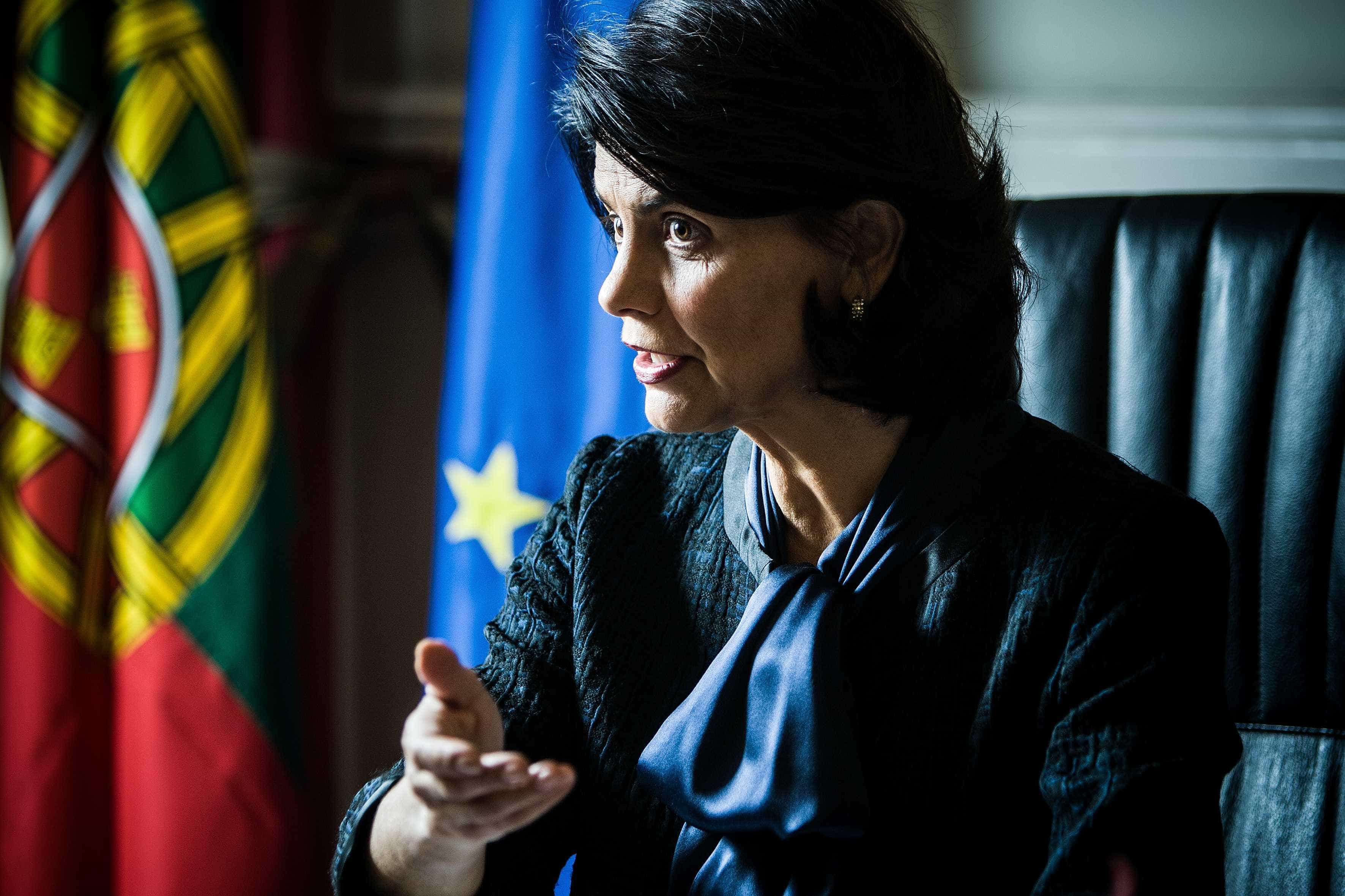 """""""Este Governo ofende a inteligência dos portugueses"""""""
