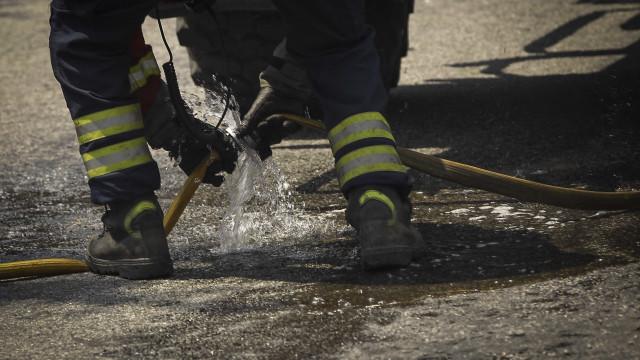 Incêndio em habitação no Porto deixa estudantes desalojados
