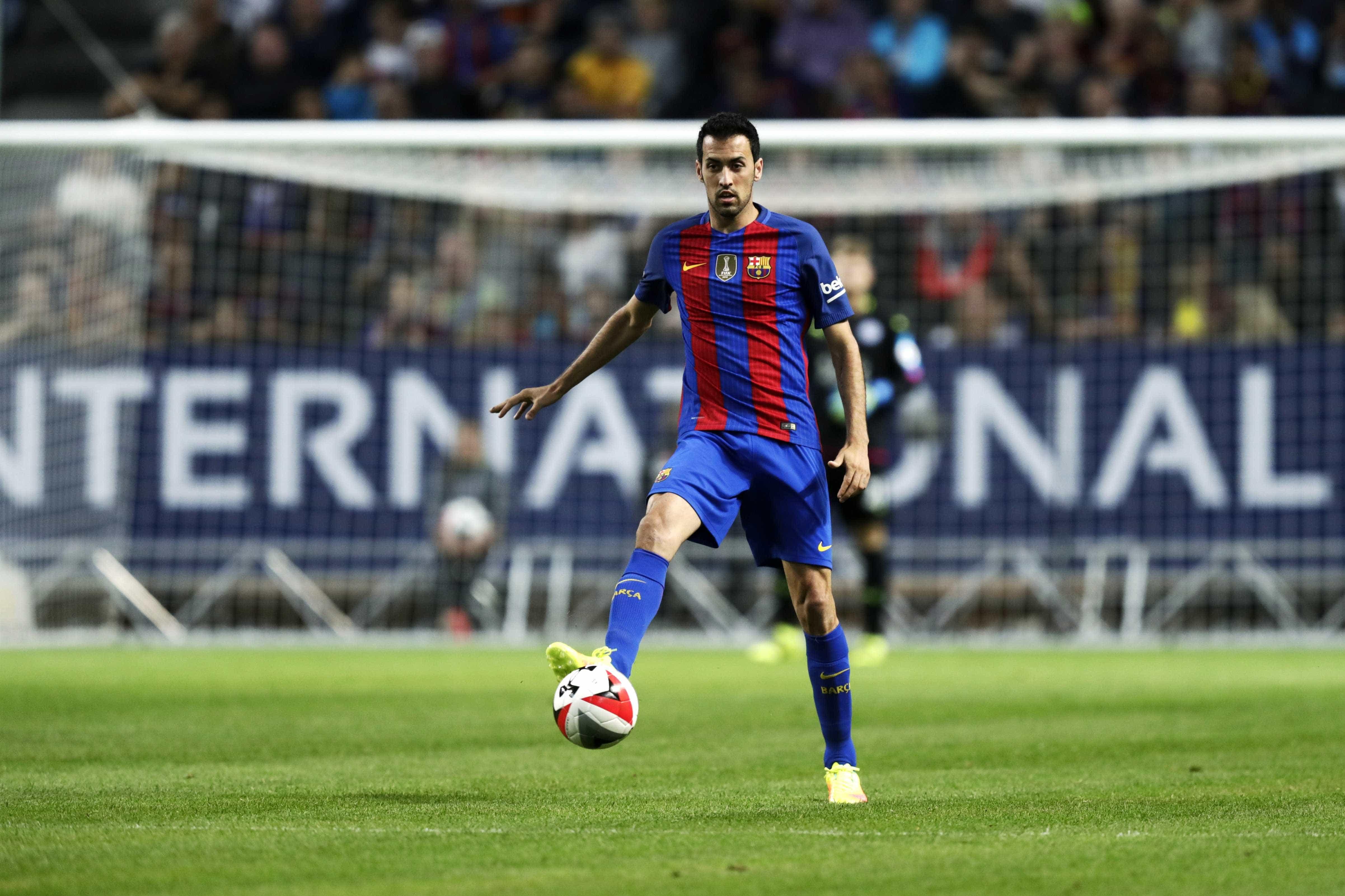 Busquets explica porque prefere Messi a Ronaldo