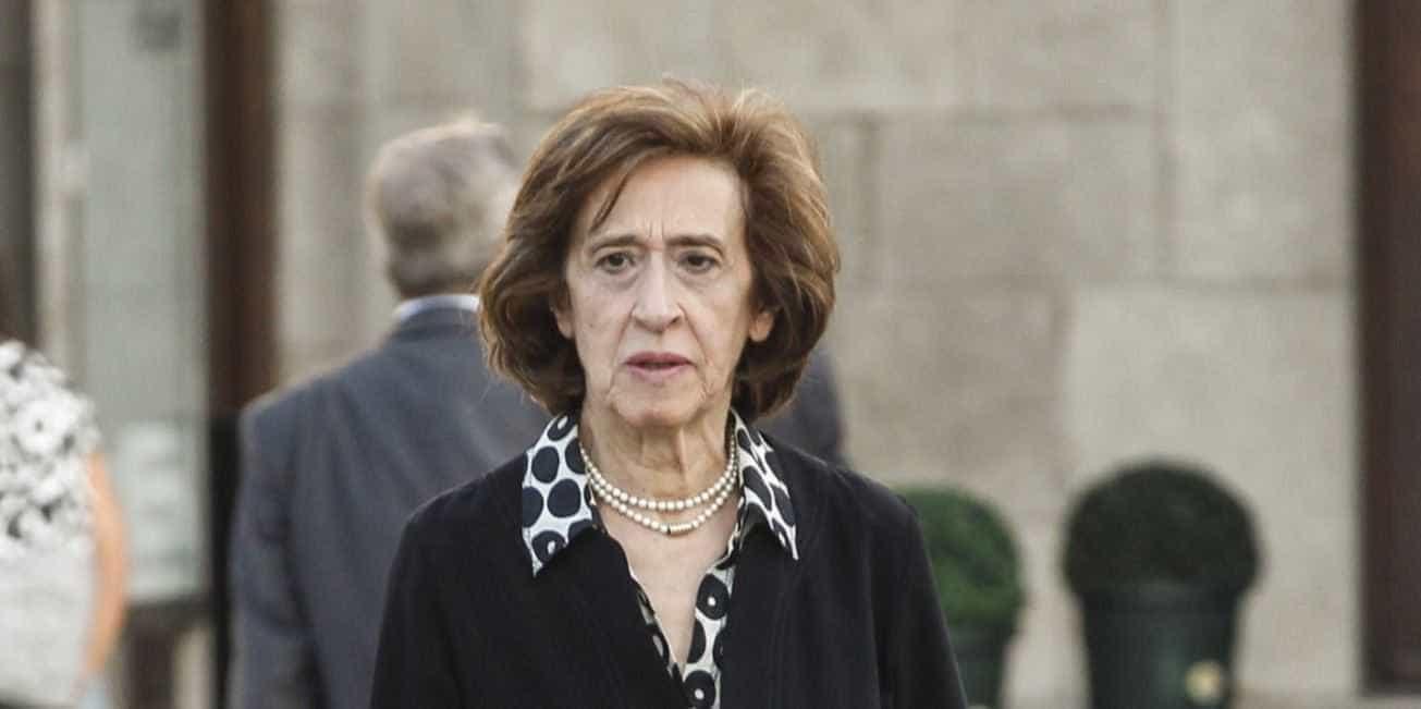 """Ferreira Leite alerta que transferência de competências """"pode ser fatal"""""""