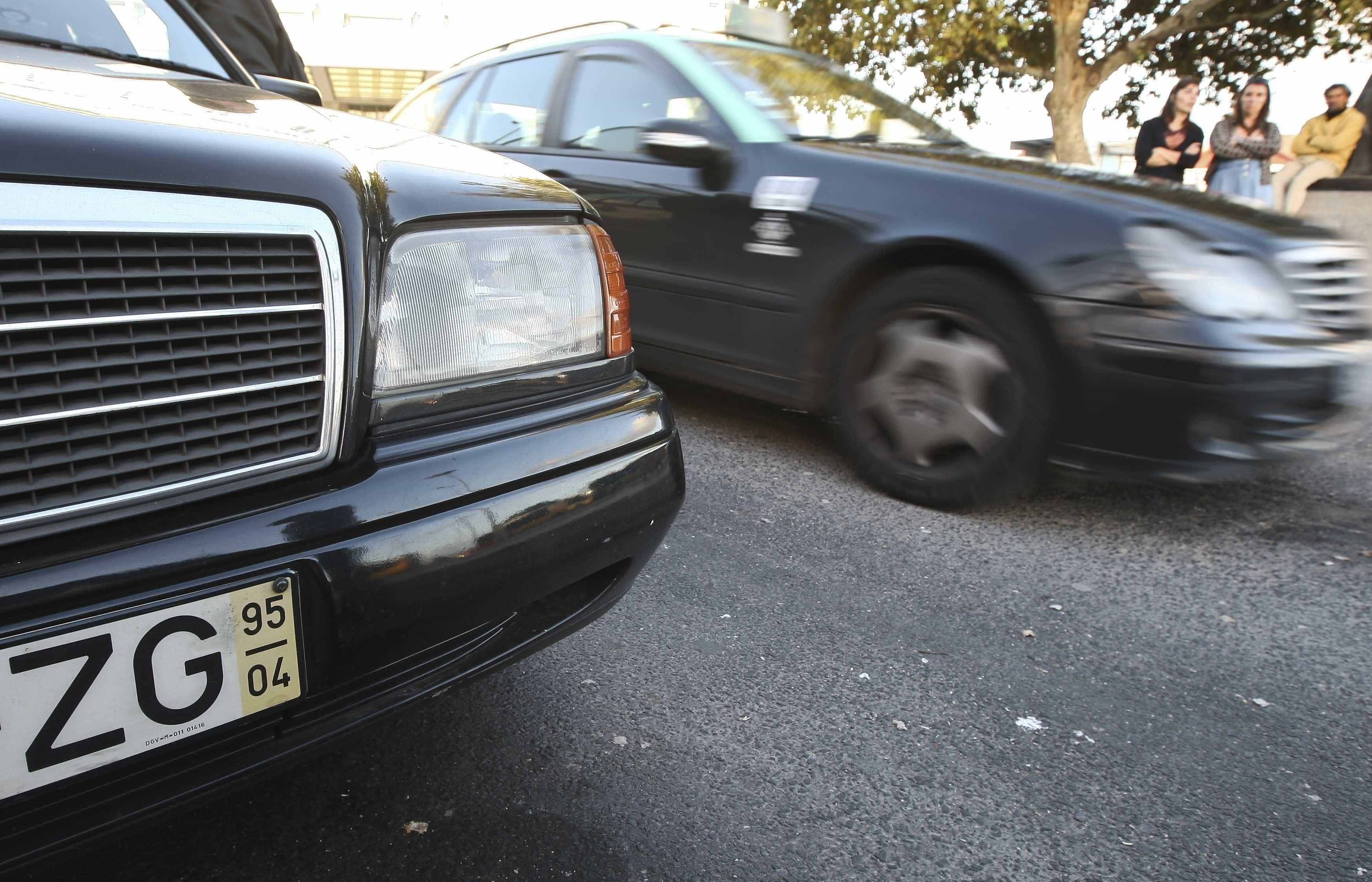 ANTRAL apresenta aplicação e novos fardamentos para taxistas