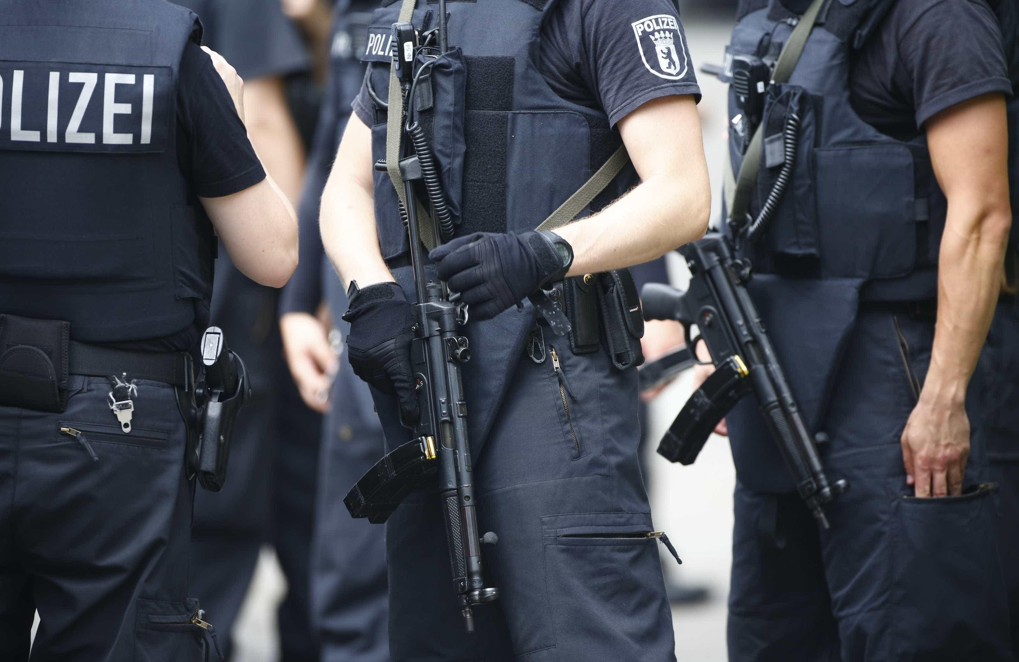 Três detidos na Alemanha por suspeita de prepararem atentado