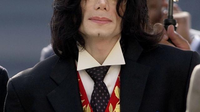 Família de Michael Jackson responde a acusações em novo documentário