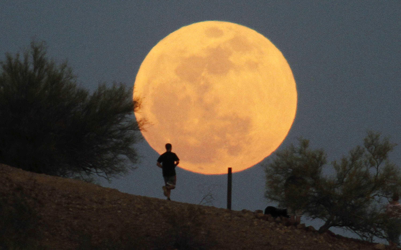 'Lua Rosa'. Esta semana poderá admirar a primeira Lua Cheia da primavera