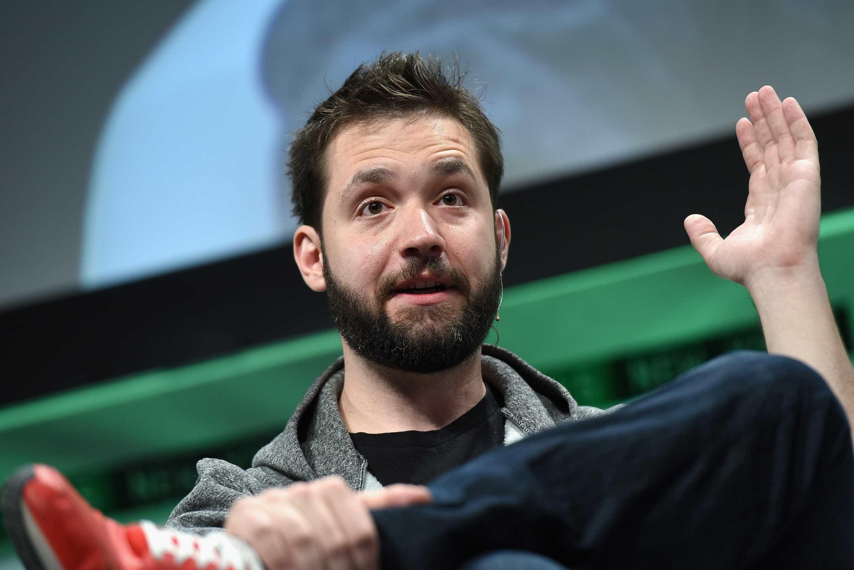 Fundador do Reddit tem más notícias para o Facebook e Instagram