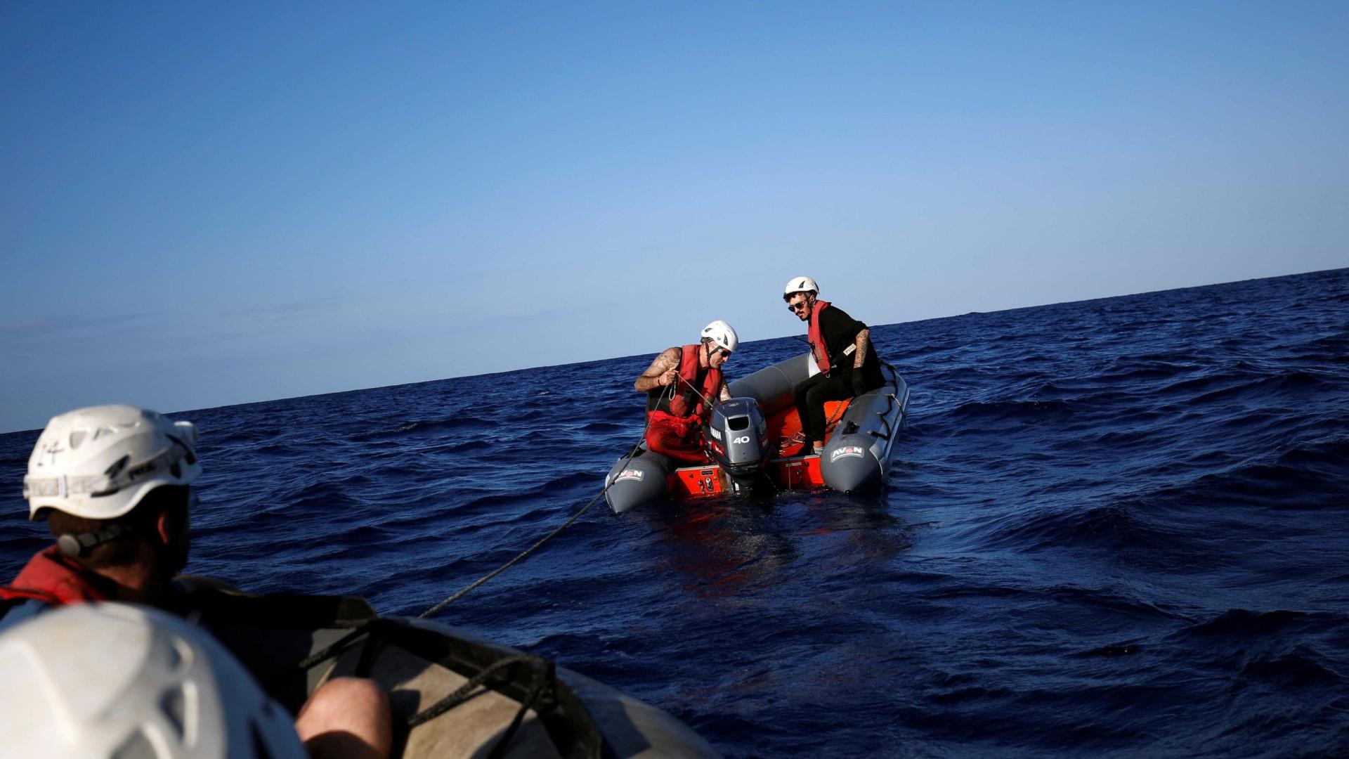 Migrantes são vítimas da tensão entre Grécia e Turquia, diz ONG