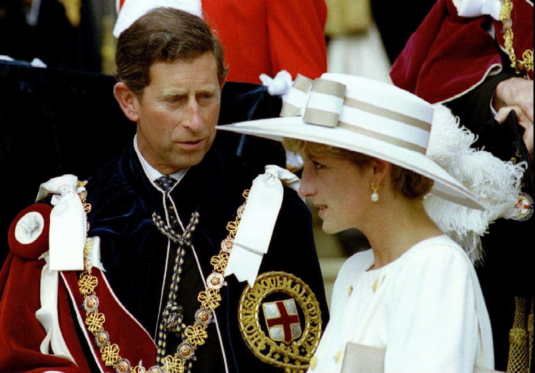 """Casamento com Diana foi um """"erro terrível"""", admite o príncipe Carlos"""