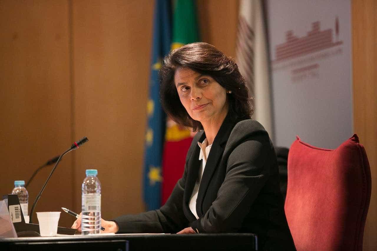 """Teresa Morais acusa Costa de não ter """"escrúpulos"""" e de ser um """"artista"""""""