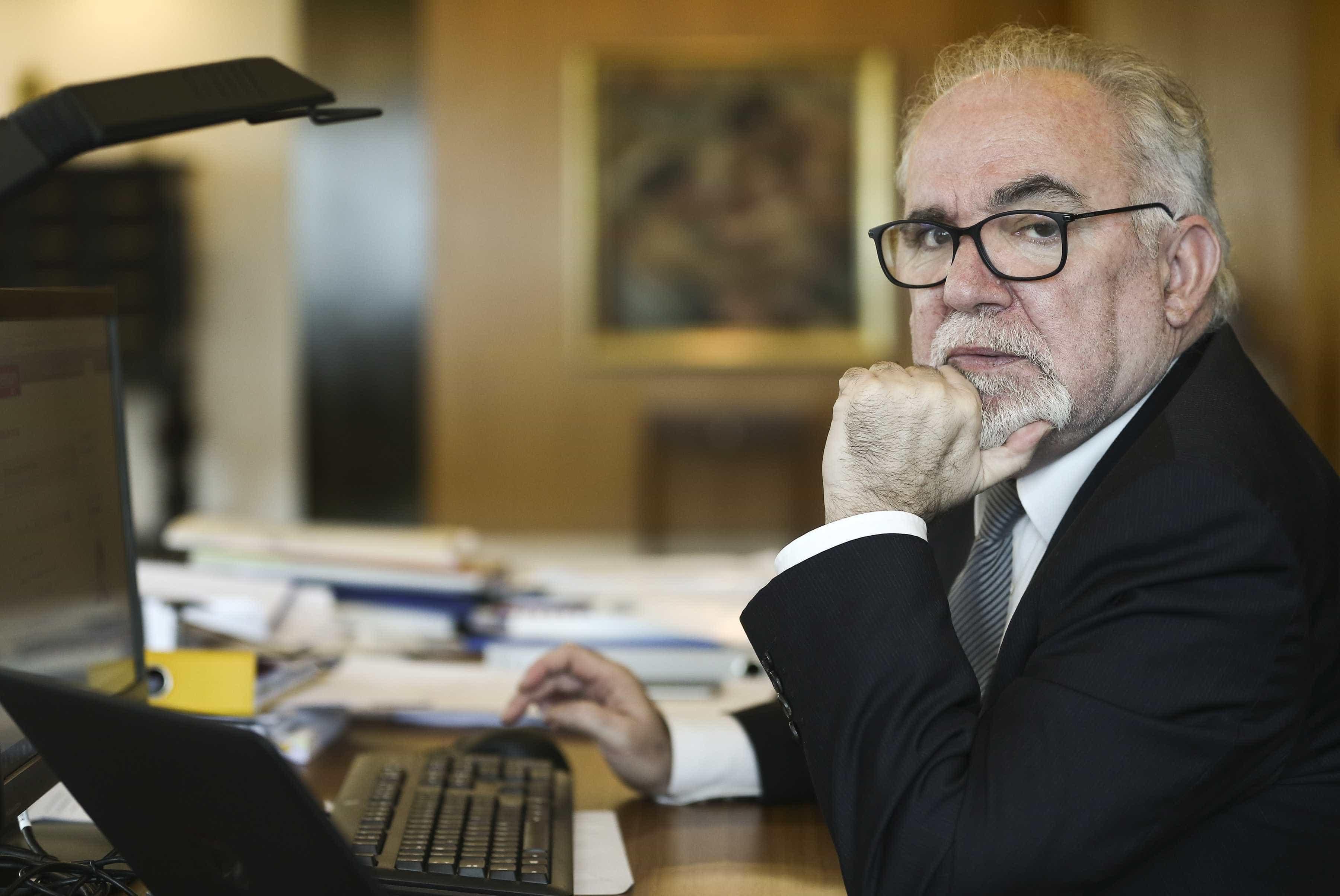 """Conclusões da OCDE são importantes, mas ministro tem """"leituras distintas"""""""
