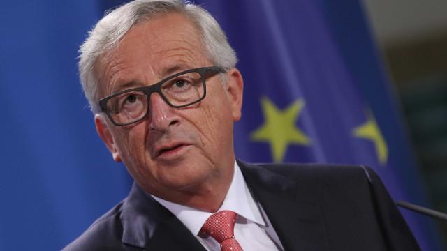 """Comissão Europeia manifesta """"profunda tristeza"""" por """"trágico acidente"""""""