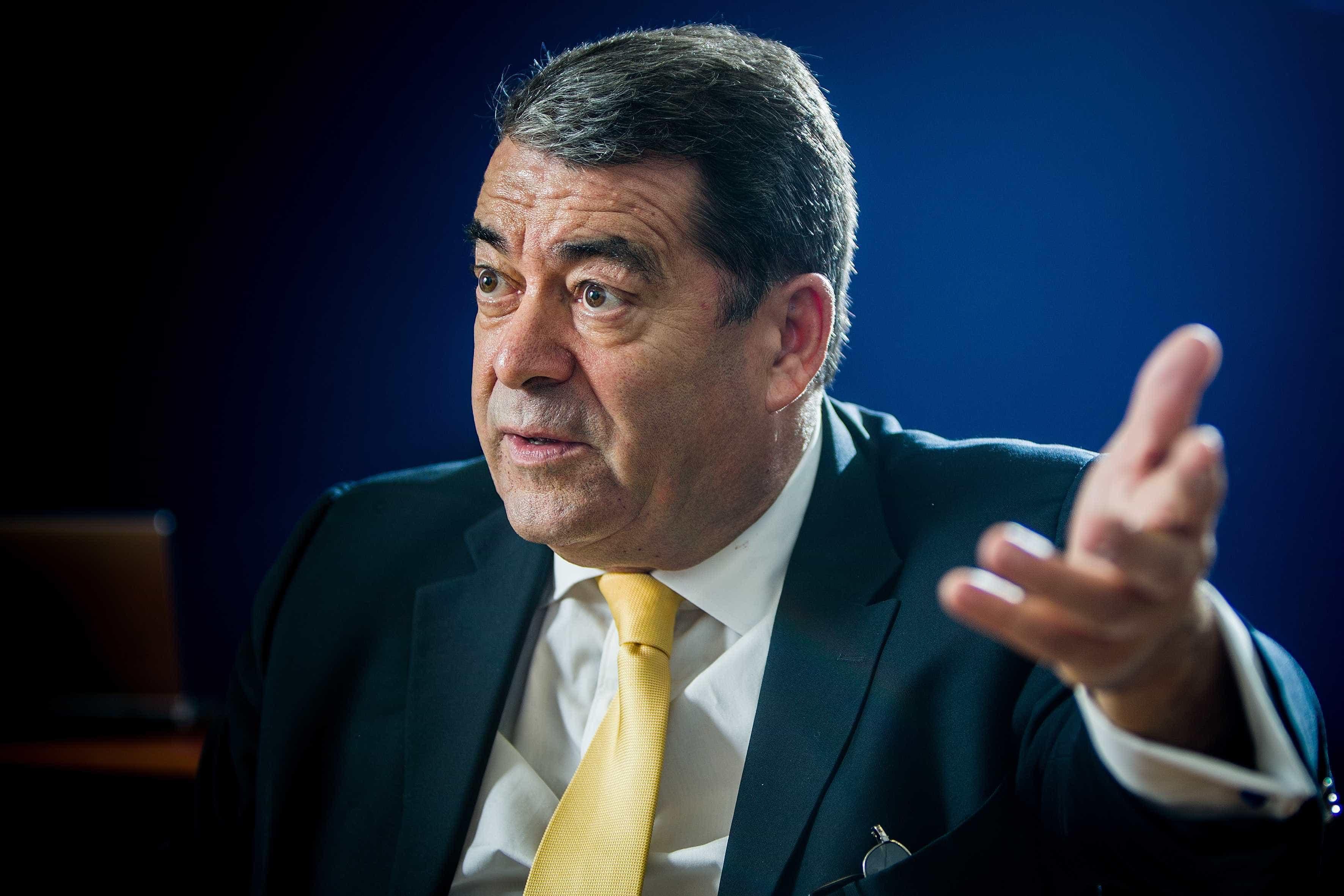 Marinho e Pinto é cabeça de lista do PDR e quer refundação da UE