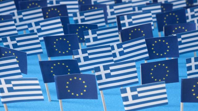 Grécia: Eurogrupo dá 'luz verde' a medidas de alívio da dívida