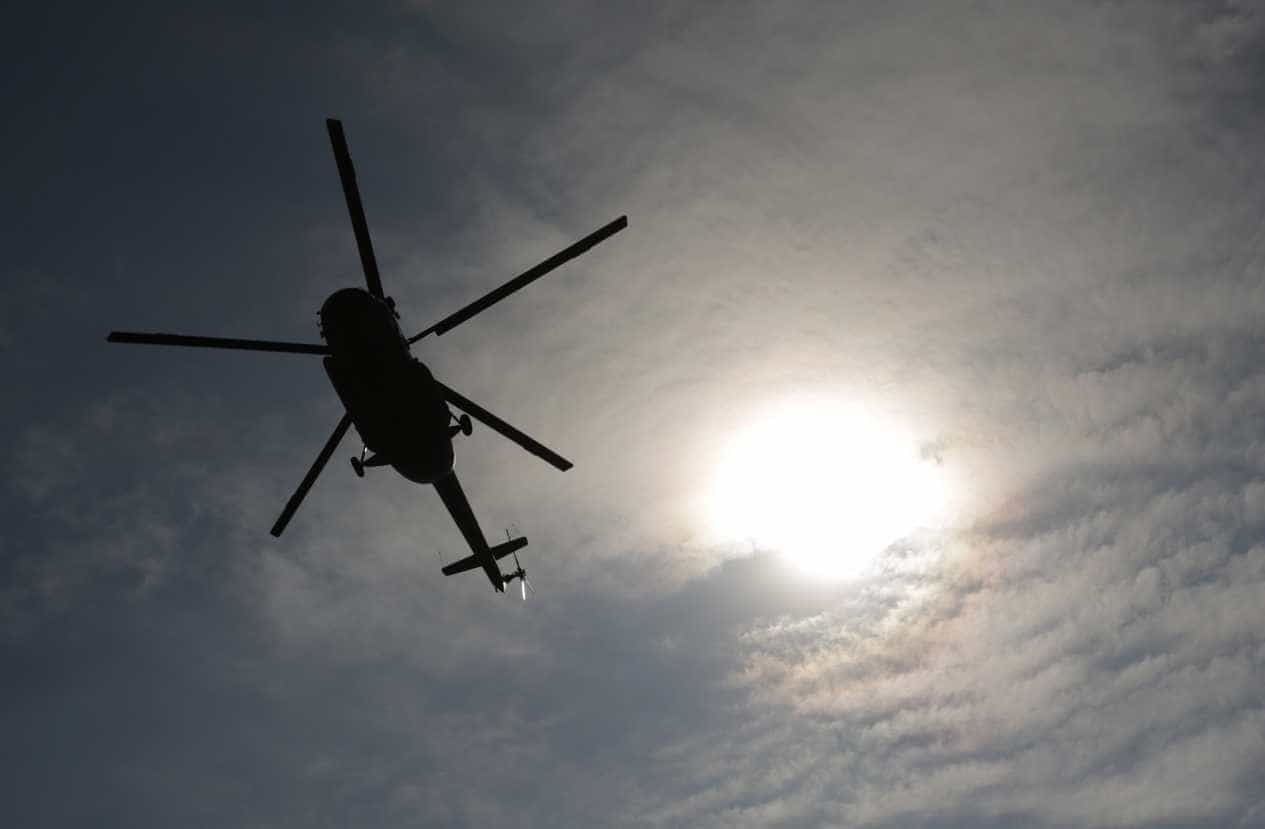 Ligeiro despistou-se contra habitação na Guarda. Helicóptero a caminho