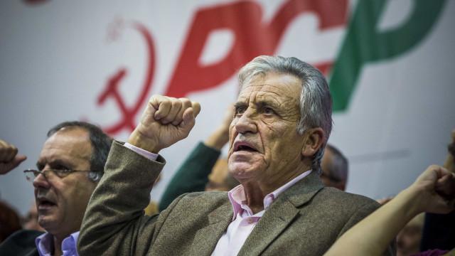 Jerónimo defende Constituição contra subversões de Passos e até de Rio