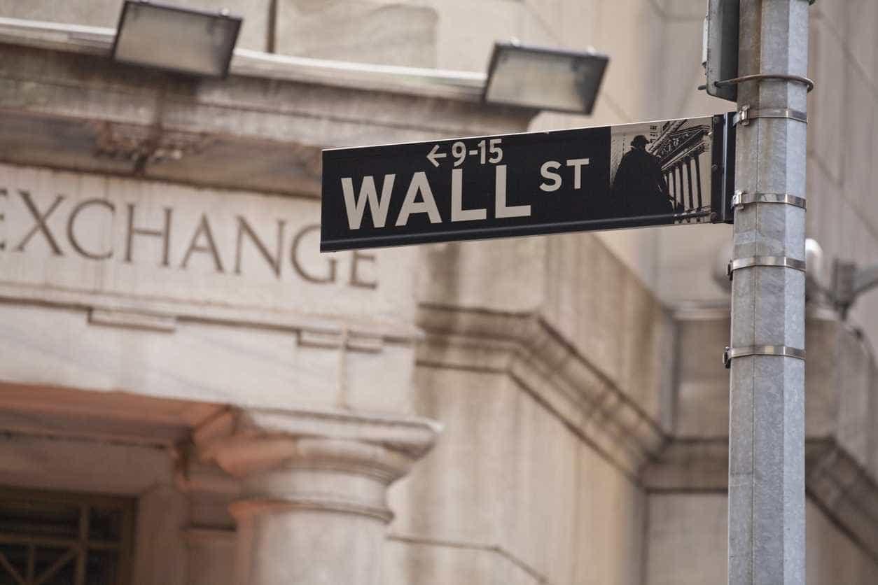 Wall Street encerra em baixa por causa de eventual acordo EUA-Pequim