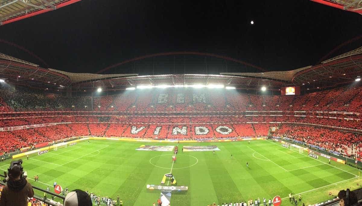 """Benfica faz apelo: """"Empurrões que valem campeonato"""""""