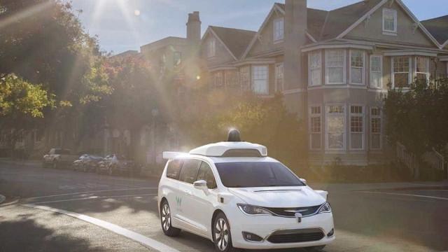 Grupo Renault pode vir a ter condução autónoma da Google
