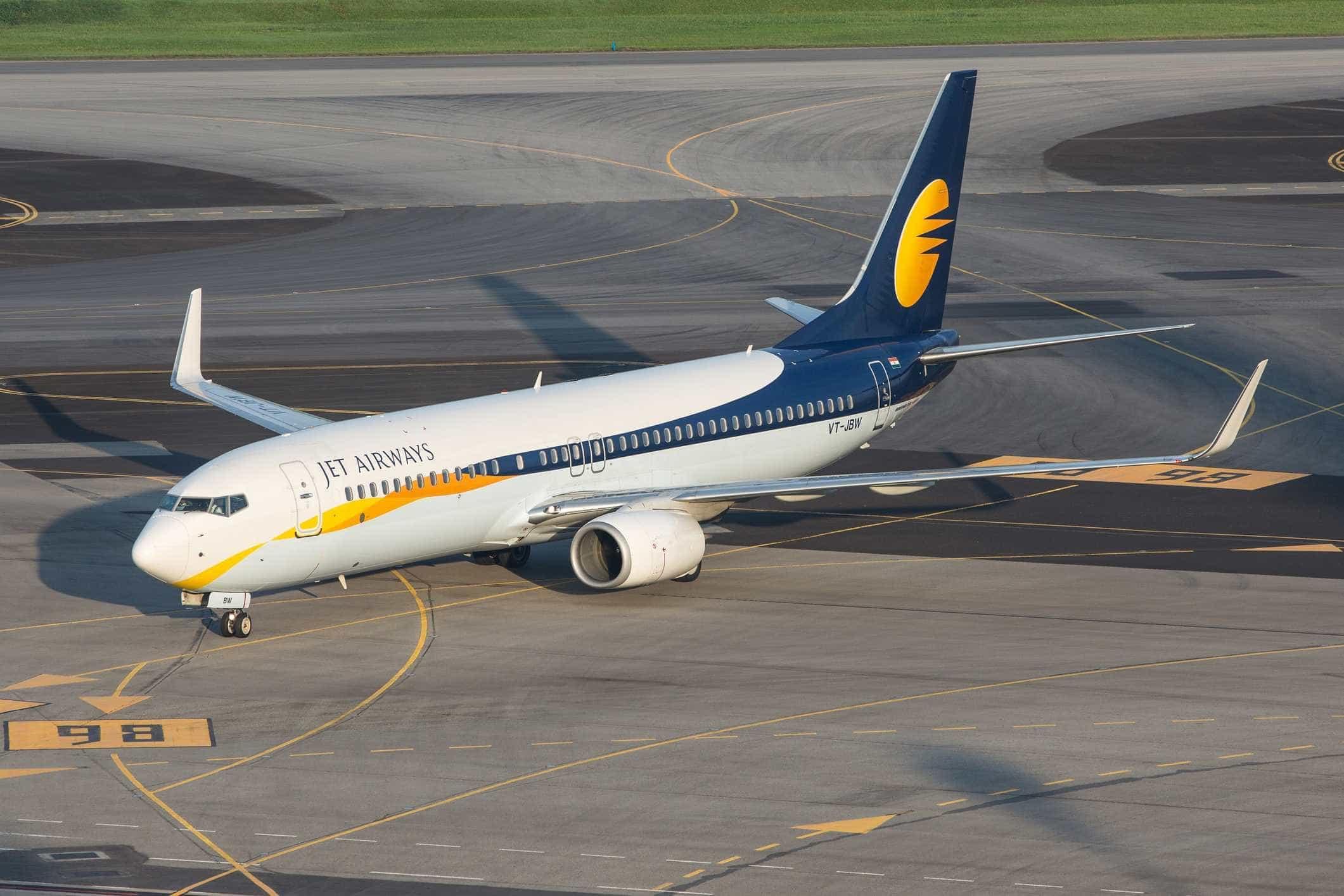Perda de pressão em avião da Jet Airways obriga a assistir 30 pessoas