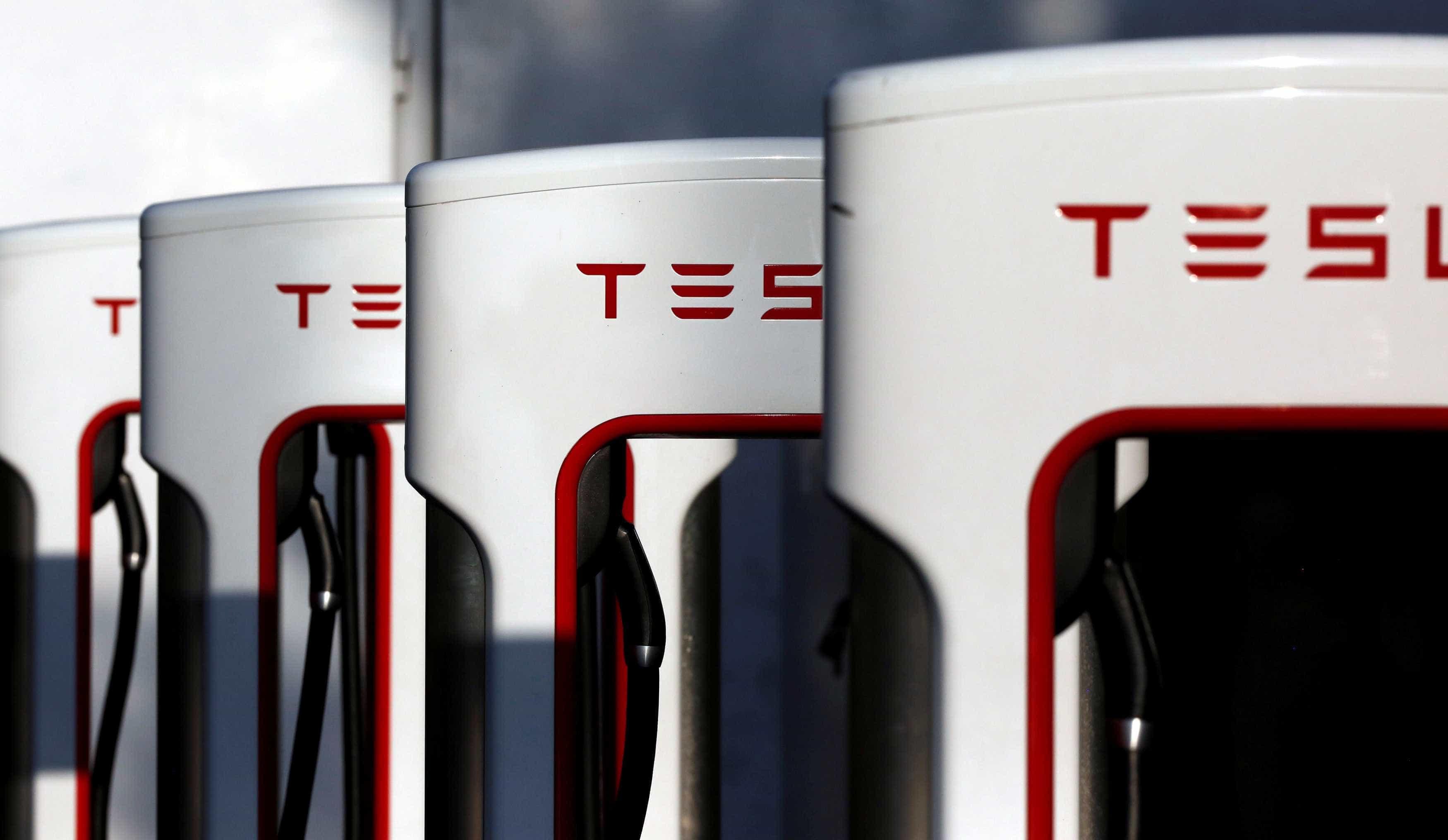 Autonomia de 120km em 5 minutos. Eis os novos carregadores da Tesla