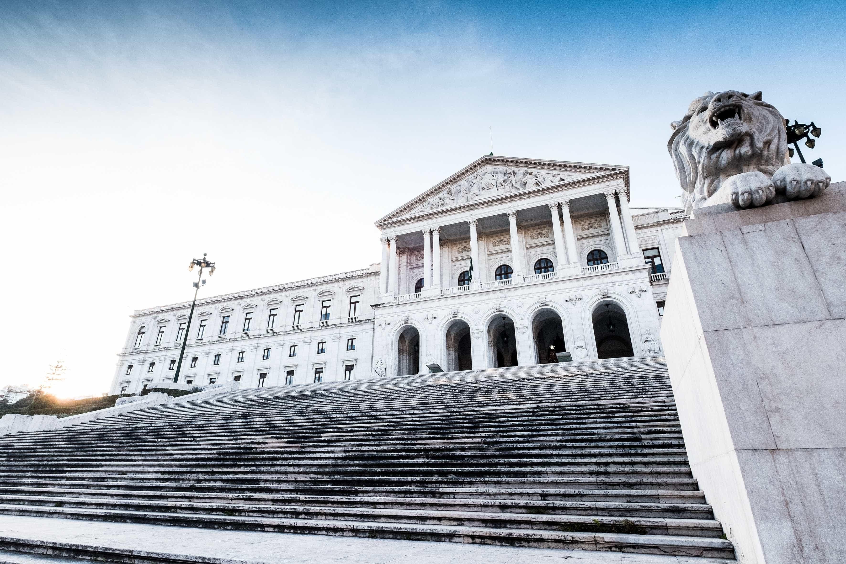 Assembleia aprova voto de pesar em memória das vítimas do holocausto