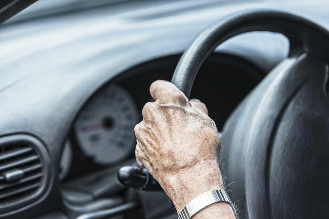 Portugueses criam capa para volante que aconselha condutor a descansar