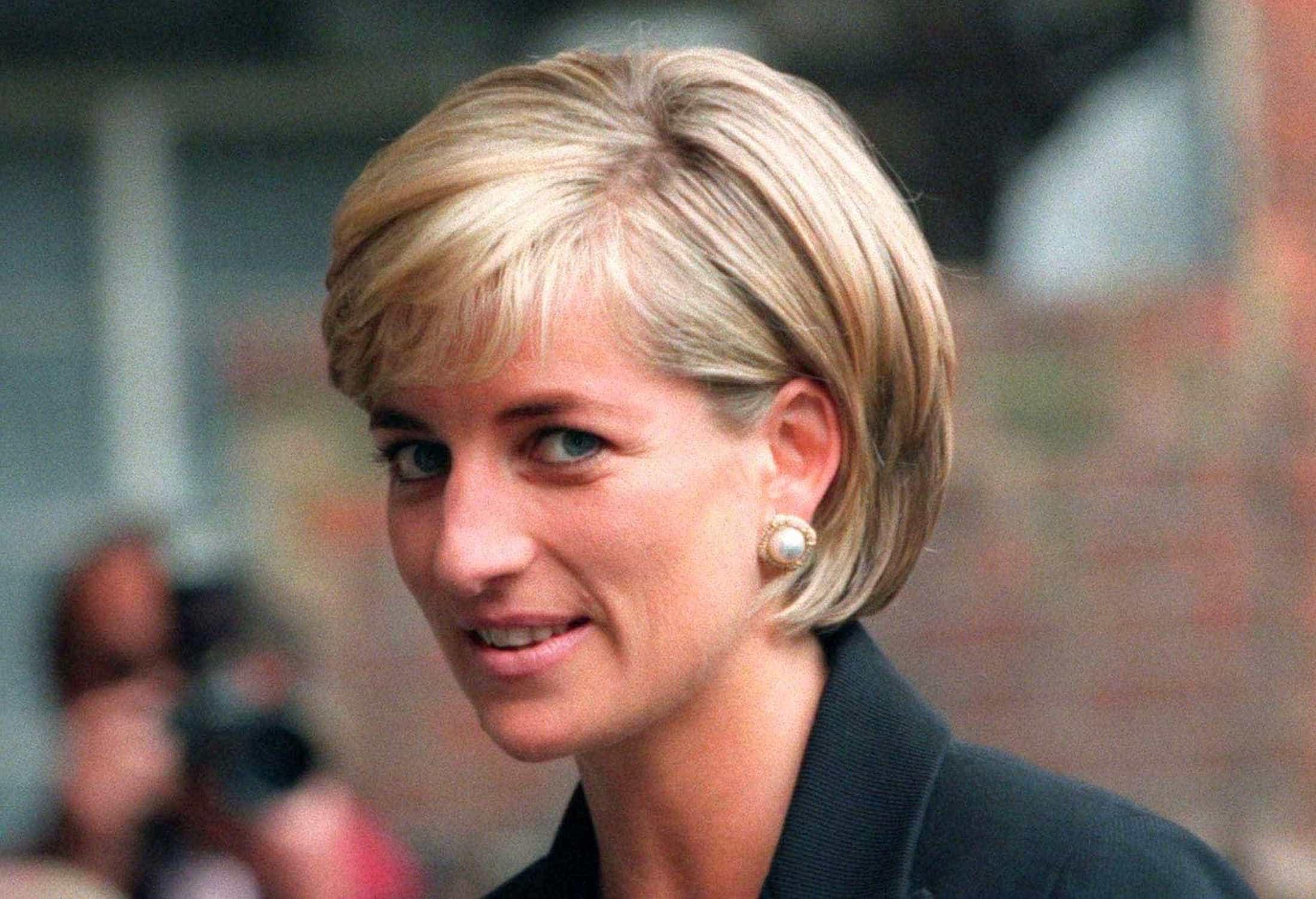 """Ferimento fatal de Diana foi """"raro"""", """"pequeno"""" e """"no lugar errado"""""""
