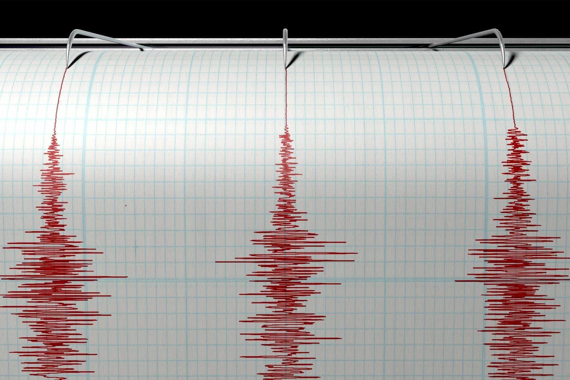 Sismo de magnitude 7.5 sentido no Equador, Colômbia e Peru