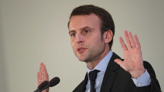 Macron quer primeiro-ministro reunido com partidos e 'coletes amarelos'