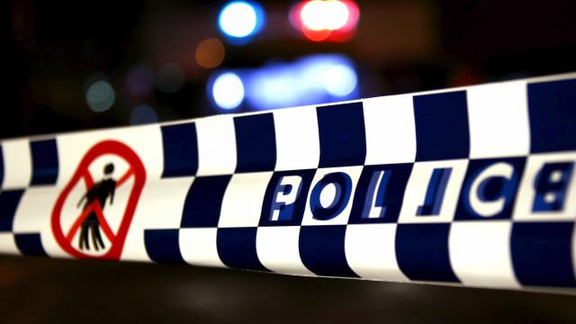 Jovem australiano atacou madrasta na noite de Natal com pistola de pregos