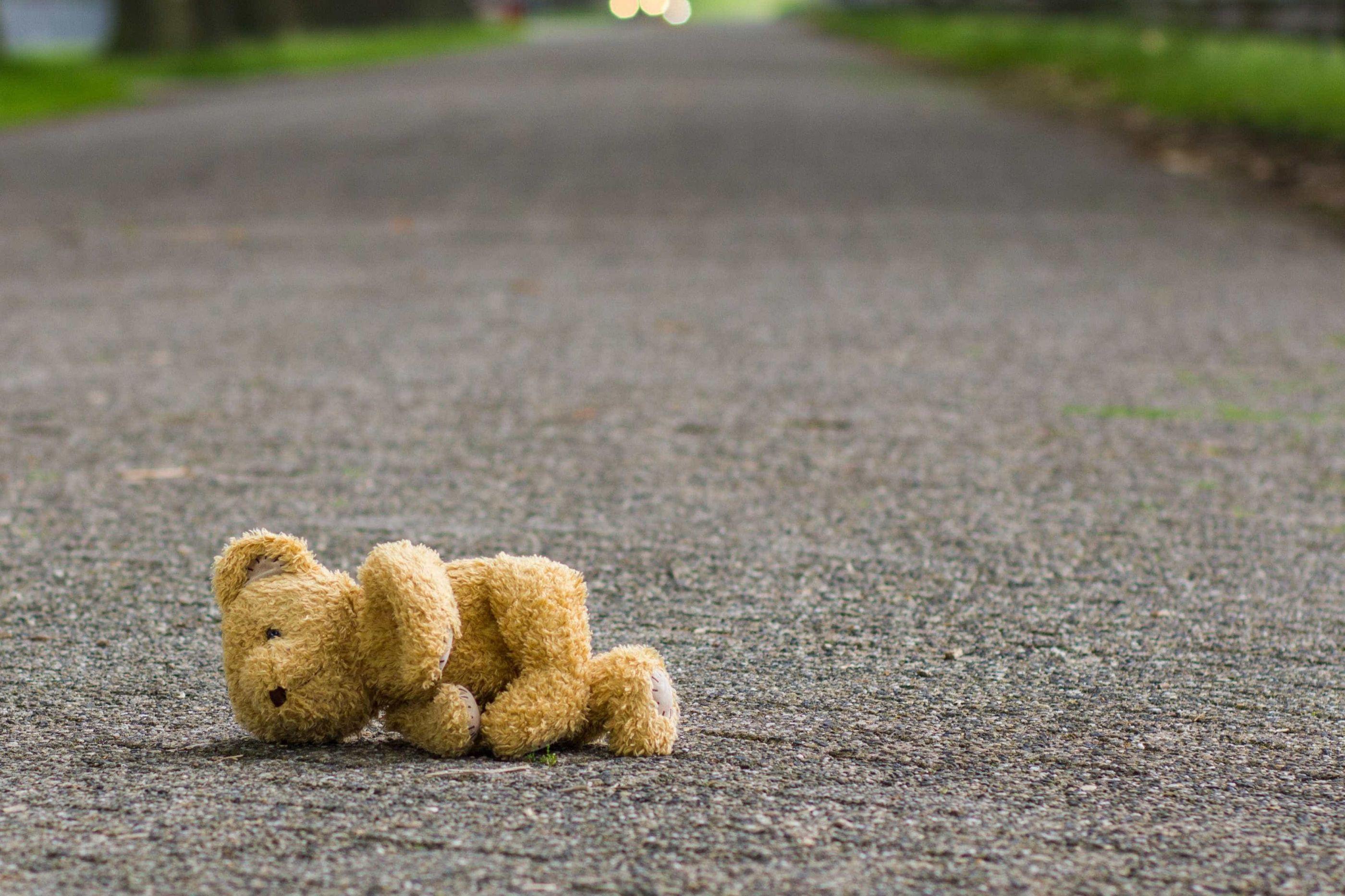 Criança de 10 anos violada pelo irmão dá à luz um menino
