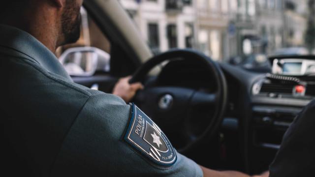 Três agentes da PSP condenados por sequestro e ofensas a jovem