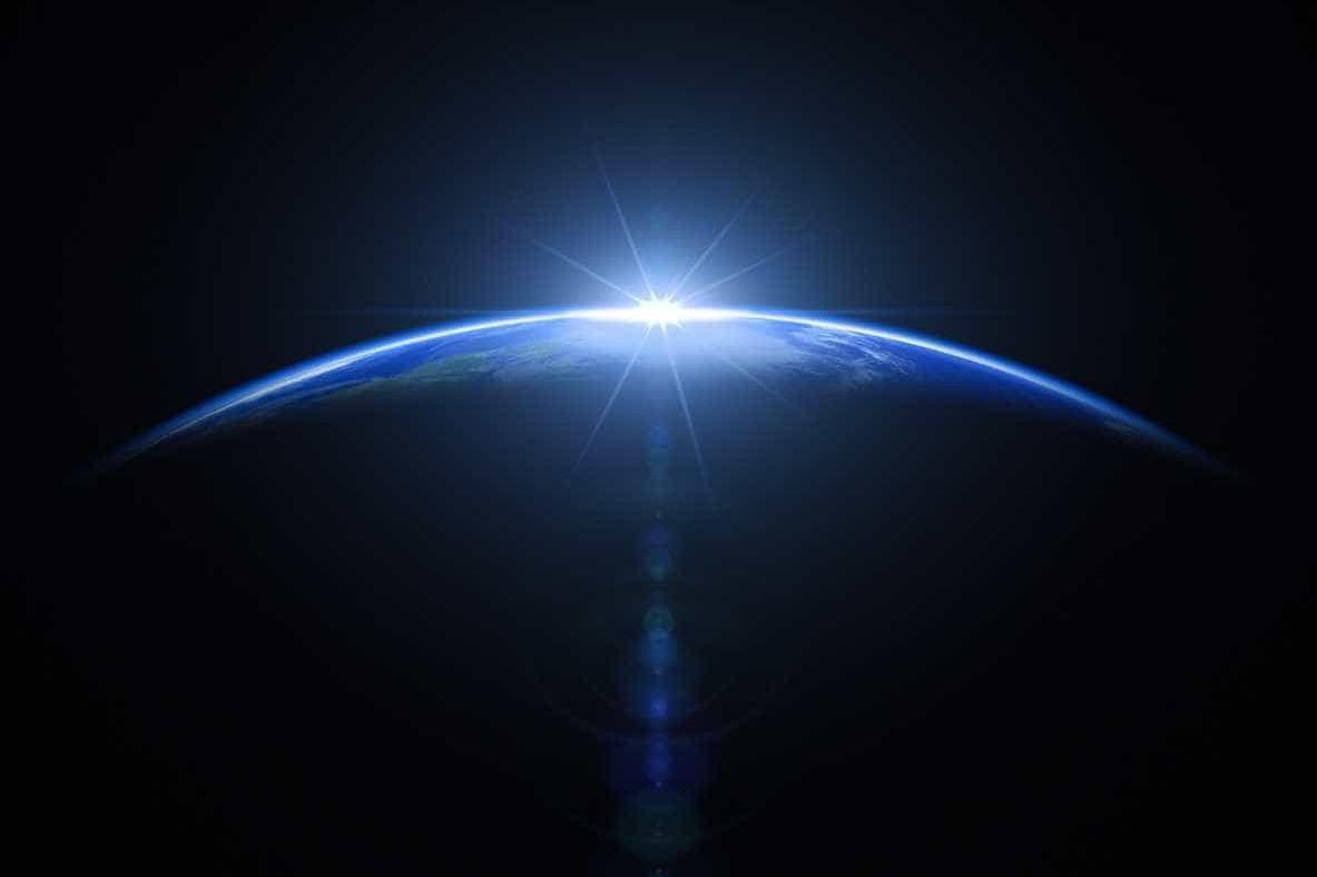 Há cada vez mais pessoas a crer que a Terra é plana. Culpa do YouTube?