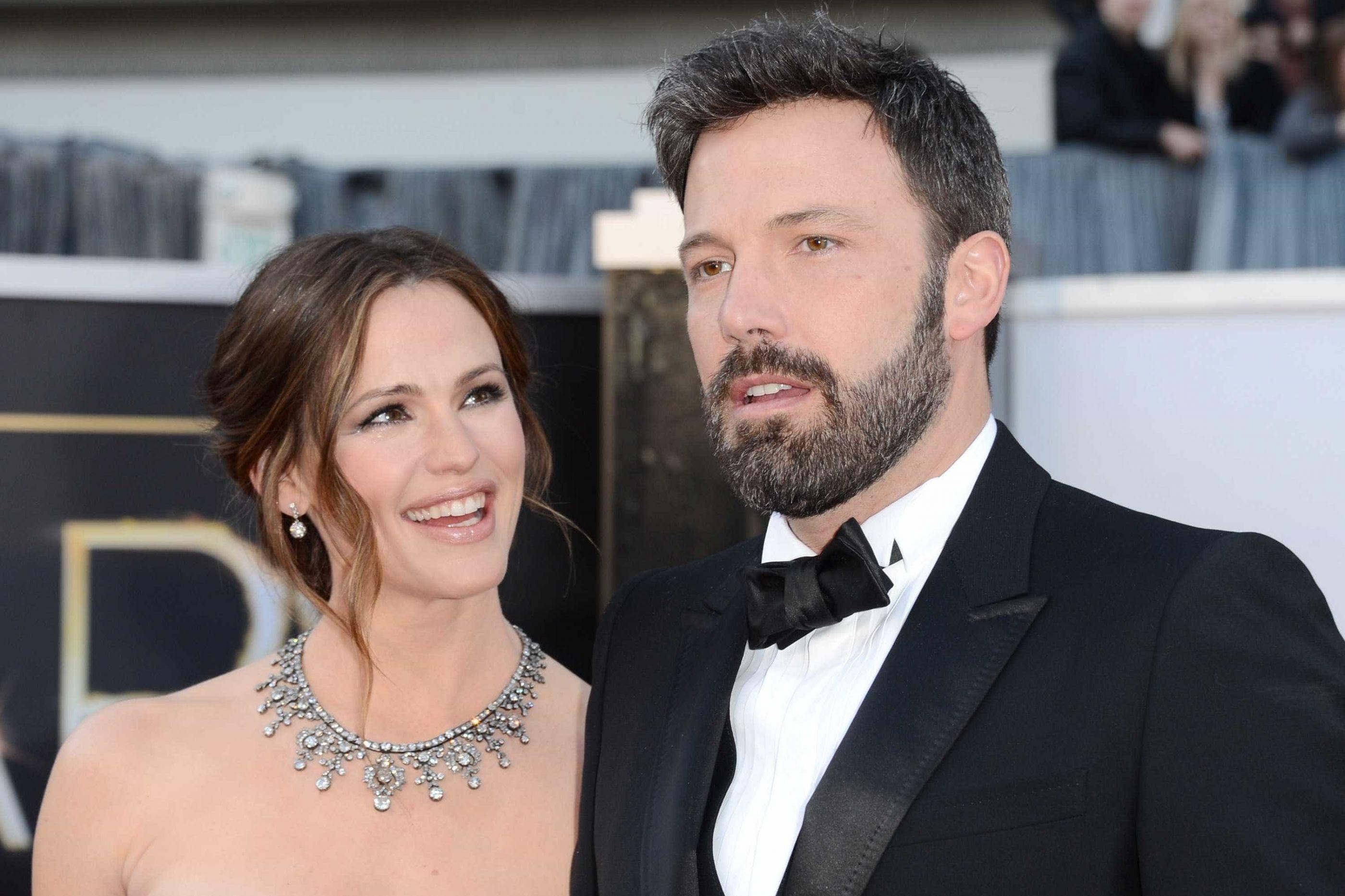 Ben Affleck e Jennifer Garner oficialmente divorciados