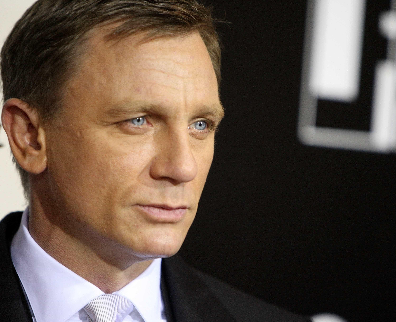 Apanhado a passear com a filha, Daniel Craig é criticado por Piers Morgan