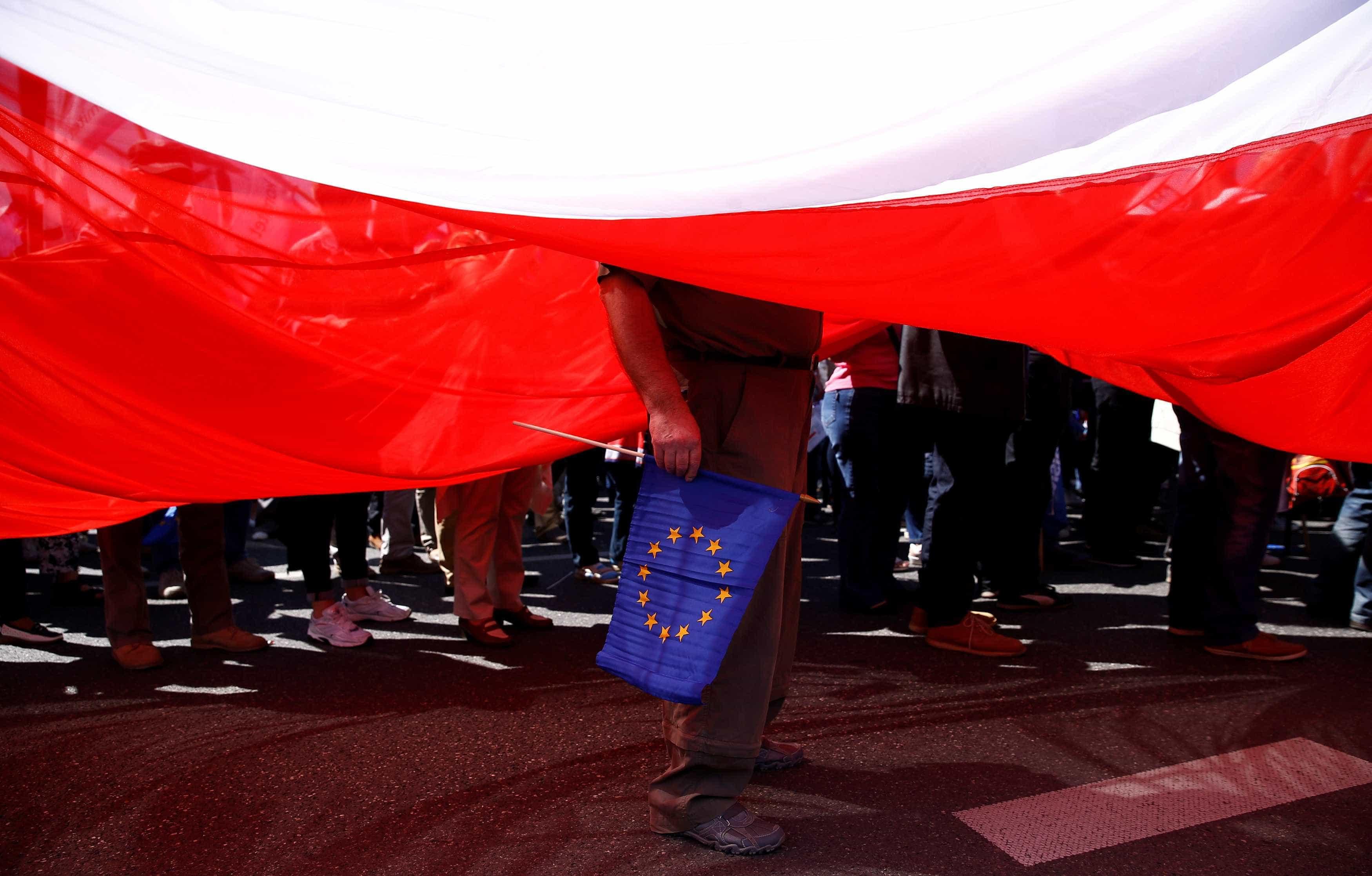 Europeias: Oposição na Polónia adverte para risco de um 'Polexit'