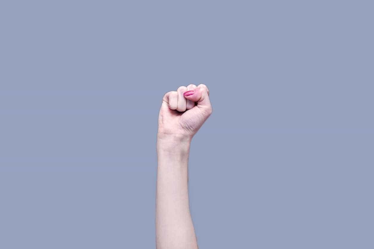 """Milhares apoiam greve feminista e uma luta que se faz """"passo por passo"""""""