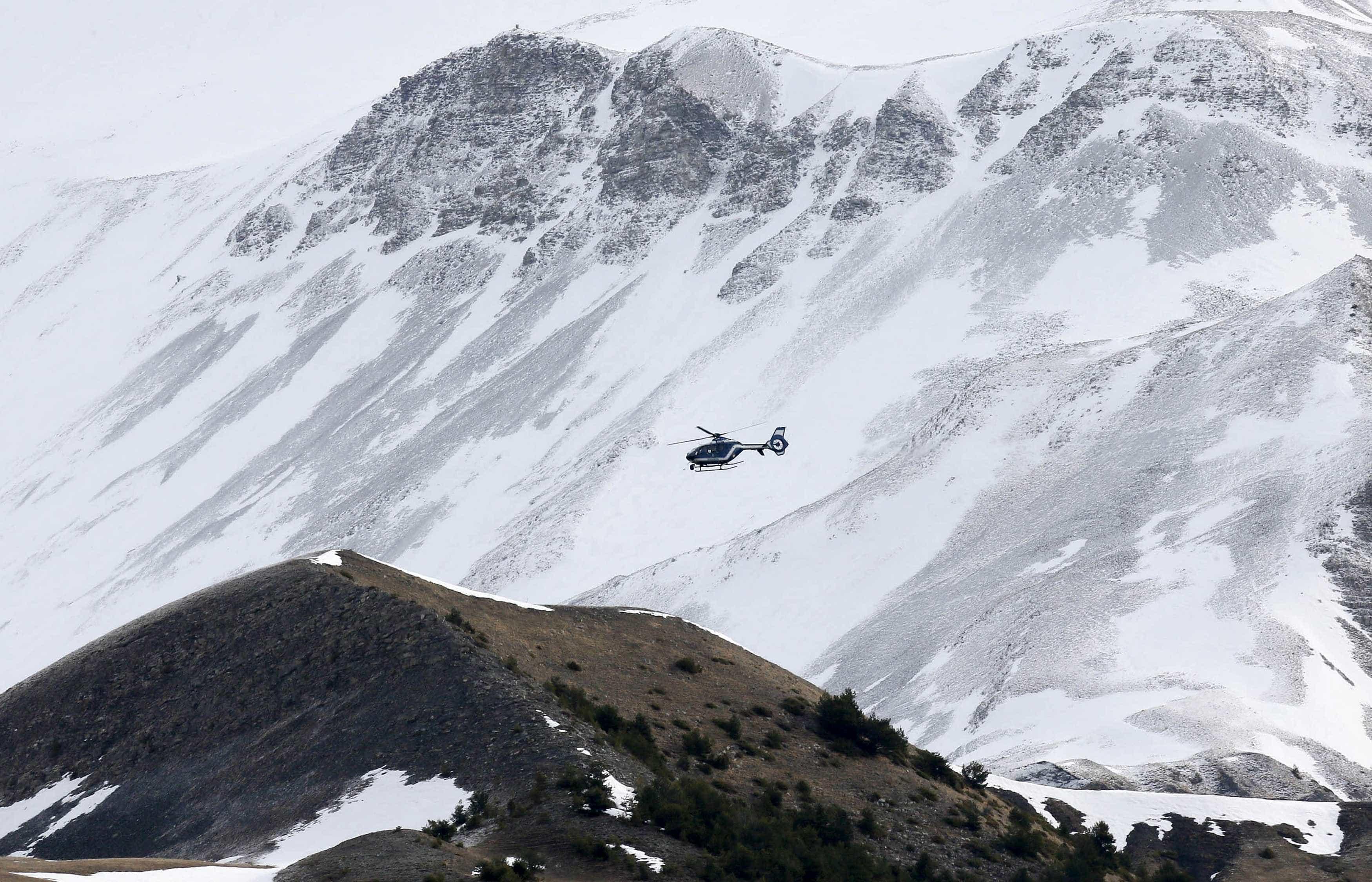 Avalanche nos Alpes suíços provocou um morto e um ferido