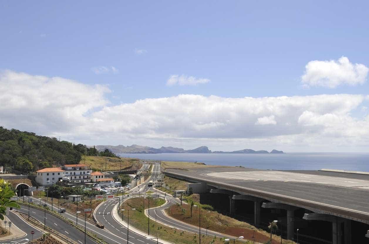 Sete voos já divergiram devido ao vento forte no Aeroporto da Madeira