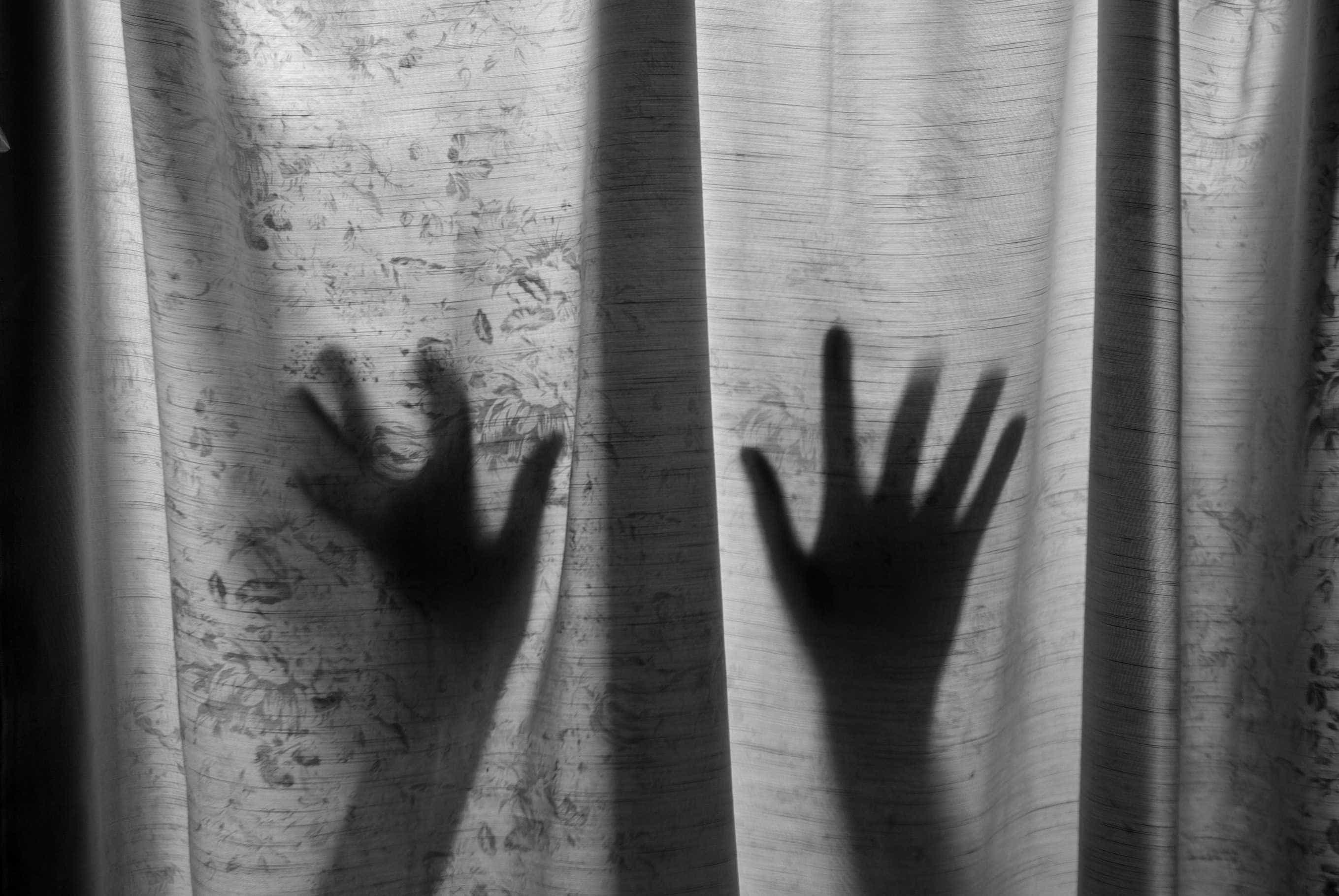 Homem abusa sexualmente de meia-irmã numa casa devoluta no Montijo
